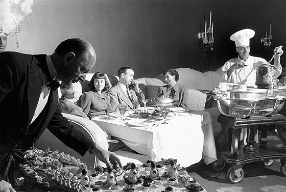 Dinner, Stanley Kubrick, 1949